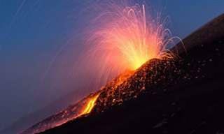 Bela tempestade: o poder bruto do Monte Etna