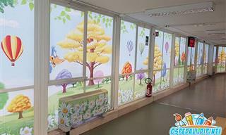 Muralista pinta paredes de hospitais e ajuda os pacientes