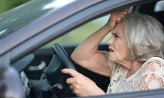 Piada: As senhorinhas ao volante