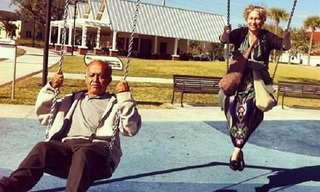 Casais Com Senso de Humor e Espírito de Aventura