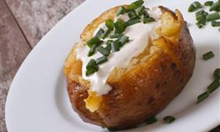 Essa batata assada fica pronta em 12 minutos!
