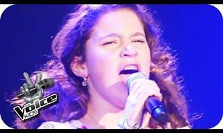Esta menina canta uma música italiana e impressiona!
