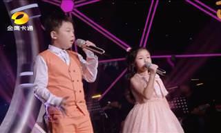Essas duas crianças talentosas definitivamente sabem cantar!