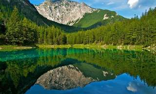 Este Lago Se Transforma Num Mundo Encantado!
