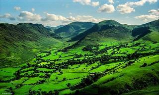 Os Belíssimos Campos Verdes na Inglaterra