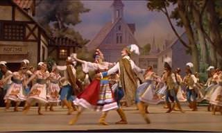 """Admire o Ballet Bolshoi dançando a mazurka de """"Coppélia"""""""
